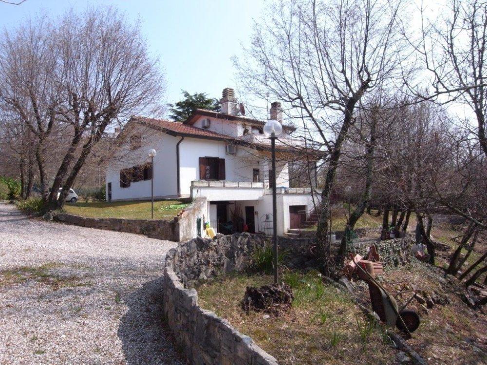 Villa a Gabrovizza con ampio giardino