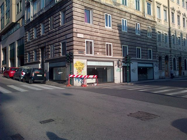 Locale commerciale in Via Conti