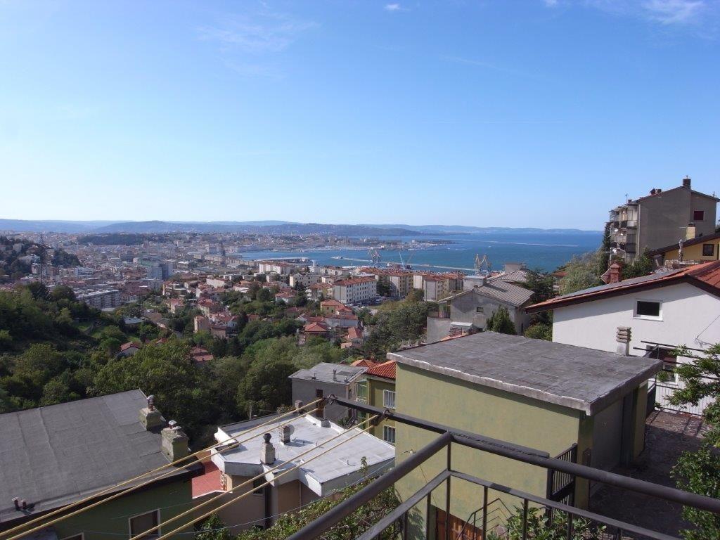 Appartamento in Via Castelmonte – laterale di Via Bonomea