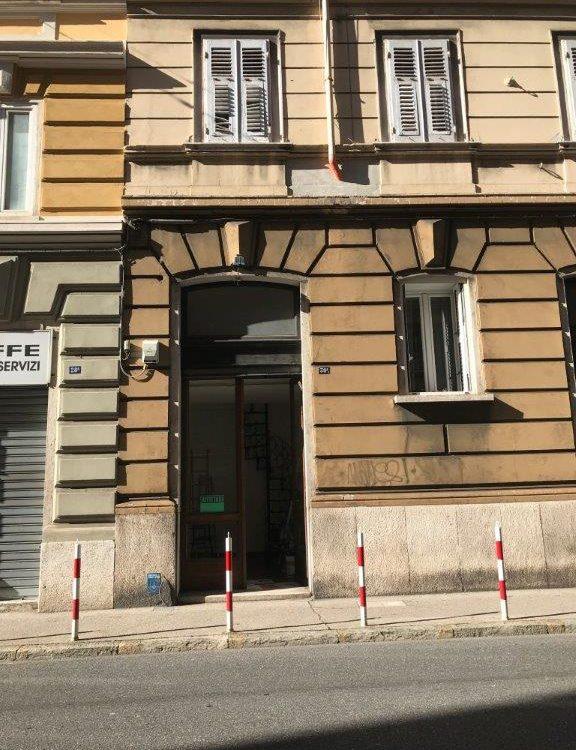 Localino commerciale in Via Udine – parte iniziale