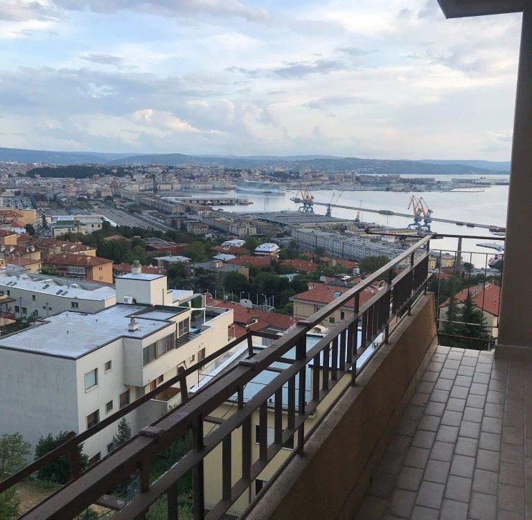 Appartamento in Via Bonomea