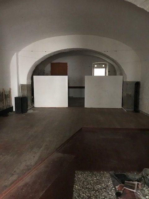 Ampio magazzino Via Corti – zona Lazzaretto Vecchio